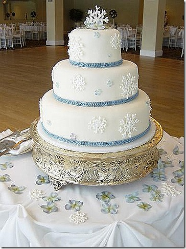 snowflak-wedding-cakes-blue-ribbon