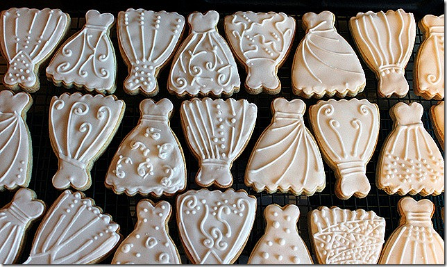 wedding dress cookies 2